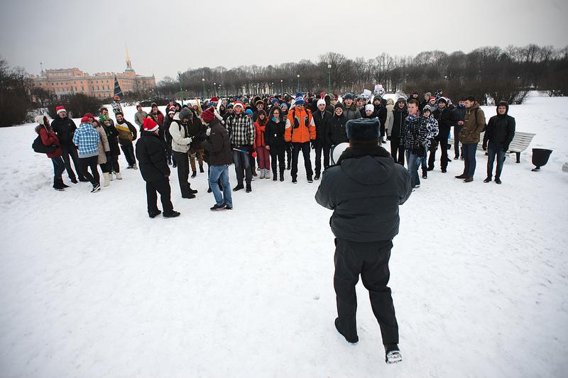 В Петербурге полиция разогнала снежный флешмоб