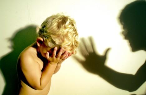 Американцы насиловали усыновленного малыша