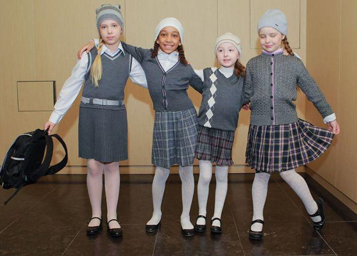 В России повсеместно вводится школьная форма