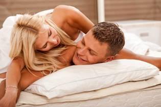 Ученые определили лучший период для начала близких отношений