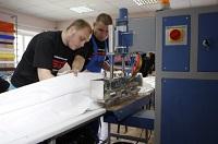 Бизнес-идея: преимущества и особенности производства натяжных потолков