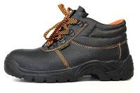 Как подобрать рабочую обувь: требования, преимущества и особенности