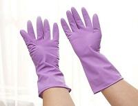 Незаменимая вещь в хозяйстве - резиновые перчатки