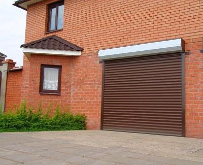 Преимущества и свойства роллетных гаражных ворот