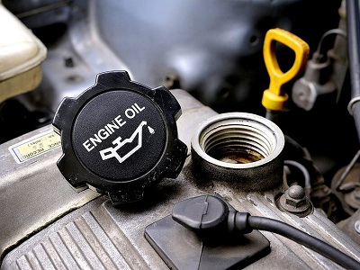 Подбираем качественное моторное масло: виды и особенности