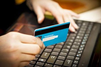 Как получить онлайн займы на карту: преимущества и особенности услуги