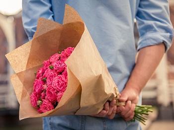 Как выбрать букет на первое свидание: идеи и особенности