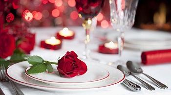 Как провести романтический вечер с любимым: идеи и особенности