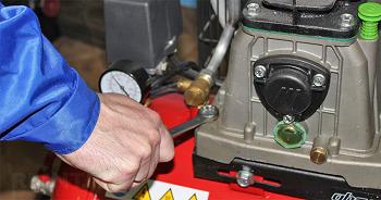 Ремонт компрессора: причины поломки и этапы починки