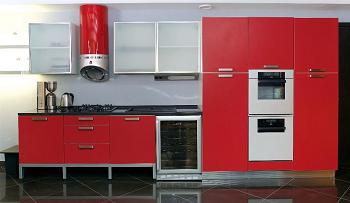 Особенности красной мебели для кухни и рекомендации по выбору