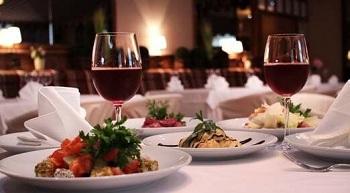 Как организовать романтический ужин в домашней обстановке