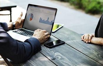 Ноутбук для работы: характеристики, требования и особенности