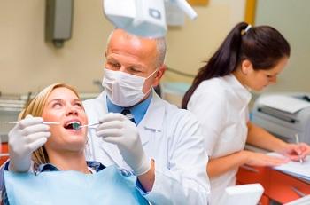 Работа стоматологом: требования, преимущества и особенности