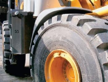 Как выбрать шины для фронтального погрузчика: характеристики и этапы замены