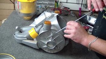 Ремонт пылесосов Dyson: основные поломки и нюансы ремонтам
