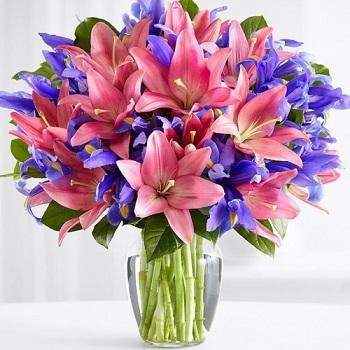 Букет цветов из лилий: идеи оформления и достоинства