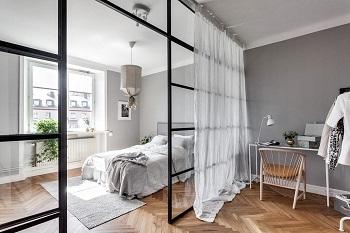 Стеклянные перегородки в квартире: правила и советы монтажа