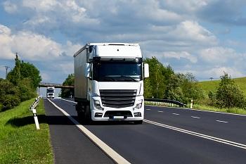 Грузоперевозки по России автотранспортом: закон и нормы