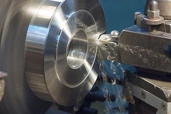 Токарная обработка металла: способы и этапы