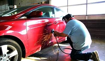 Кузовной ремонт автомобиля: состав, этапы работ и советы