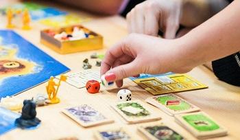 Настольные игры для всей семьи: достоинства и как выбрать