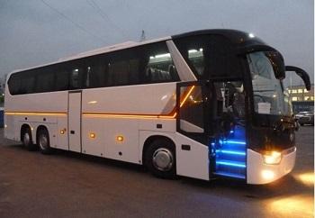 Аренда автобуса для путешествий и туризма: достоинства и условия