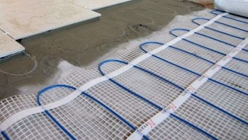 Электрический теплый пол: достоинства и правила монтажа