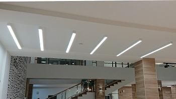 Установка и подключение линейных светодиодных светильников