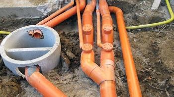 Прокладка наружной канализации: правила, способы и этапы