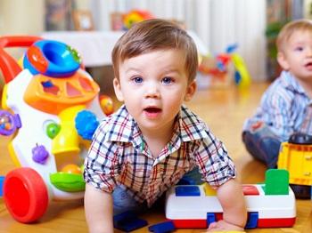 Игрушки для мальчика 1 года: критерии выбора, виды и советы по выборум