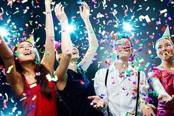 Поздравление коллег с Новым годом: способы, идеи и советы
