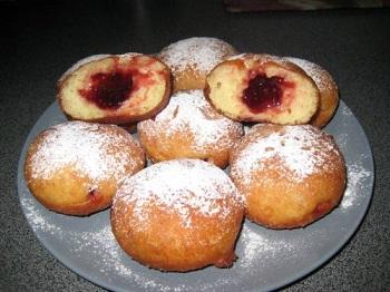 Приготовление пончиков с начинкой: рецепт и советы