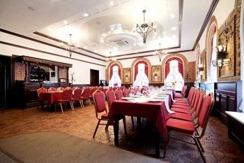 Банкетные стулья для ресторана: виды и характеристики