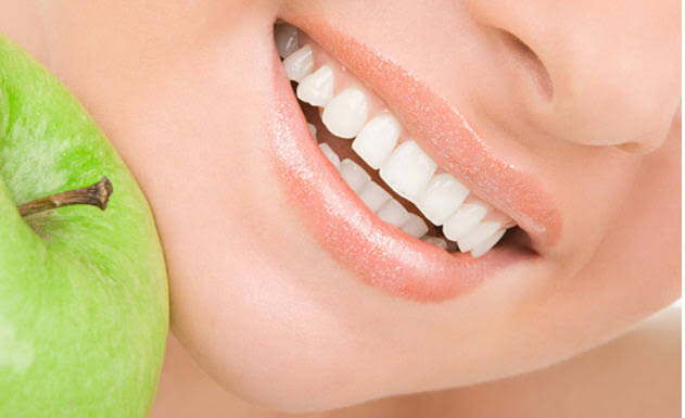 Сравнение и преимущества способов отбеливания зубов