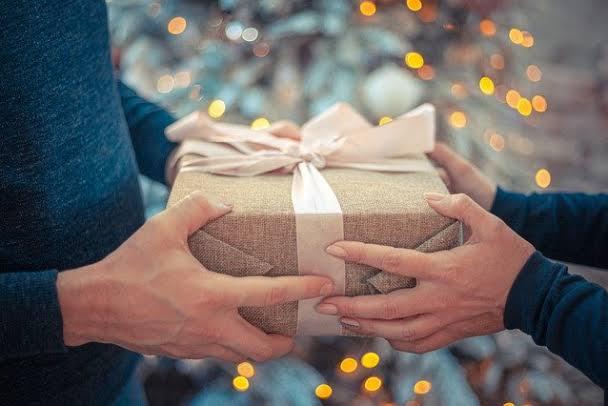 Подарки для подчиненных: идеи, сравнение и особенности