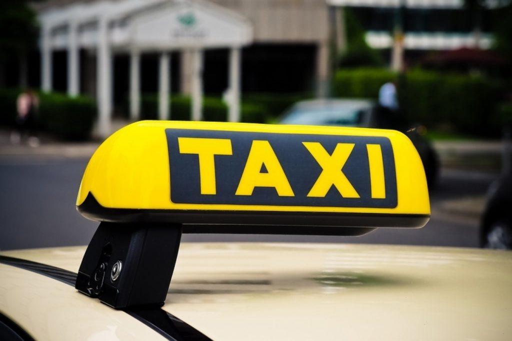 Заказ такси: как вовремя уехать и не стать жертвой мошенников
