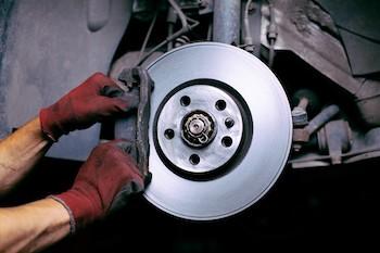 Поломки автомобильных тормозных колодок и их исправление