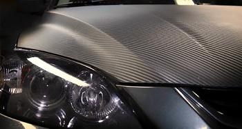 Карбоновая пленка на автомобиль: правила выбора и использования
