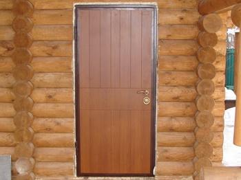 Монтаж дверей в деревянном доме: правила, этапы и советы