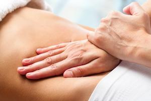 Преимущества и особенности мануальной терапии