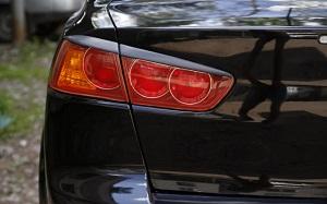 Как выбрать и заменить задний фонарь на авто