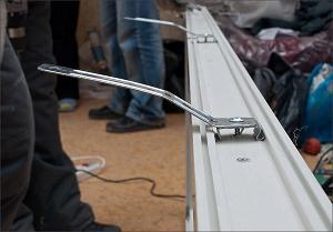Монтаж пластикового окна на анкерные пластины
