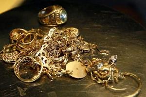 Как правильно сдавать в ломбард лом золота