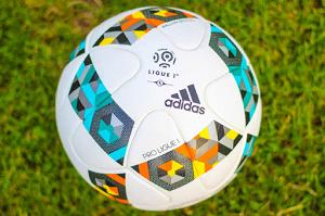 Выбираем правильный мяч для футбола и советы