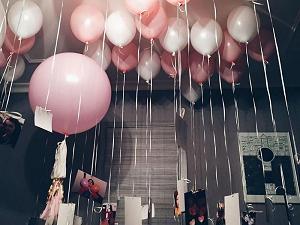 Идеи оформления комнаты воздушными шарами